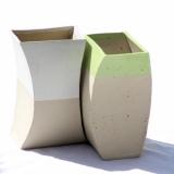 Bølgevaser med hhv. hvid og grøn top
