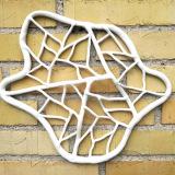 Connection #5, uglaseret porcelæn, 30 x 35 cm, h 3 cm